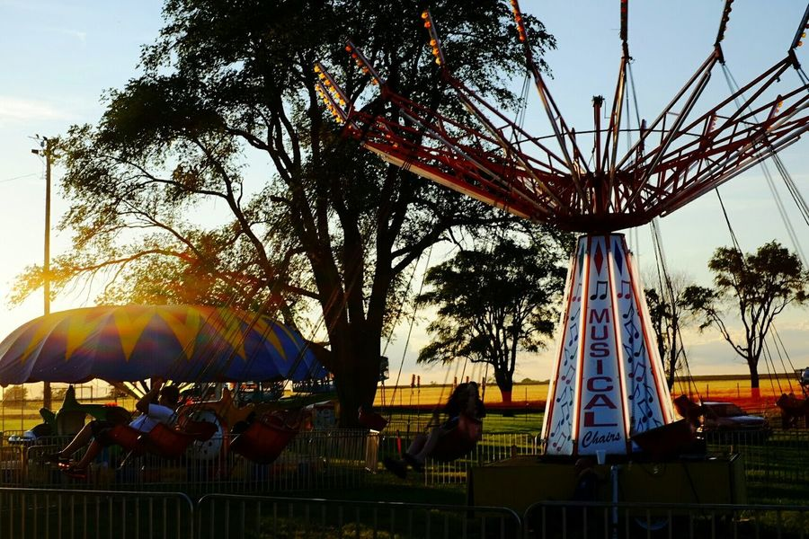 Carnival Rides Taking Photos A Day In The Life Rural America Small Town USA Sunset Kansas Color Photography Carnival Portrait Of America