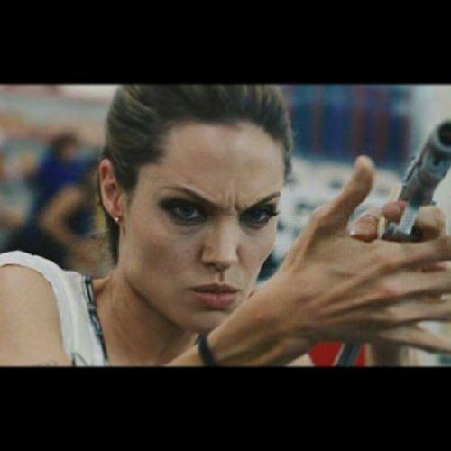 Злая, бойтесь злых девушек ????))) Джоли Angelinajolie къытехьа