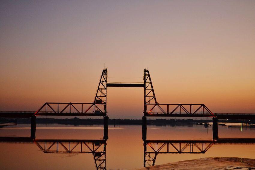 穏やかな気持ちで。 Reflection Sunset Sunsetporn EyeEm Best Shots EyeEm Best Shots - Sunsets + Sunrise 昇開橋 Sky Collection