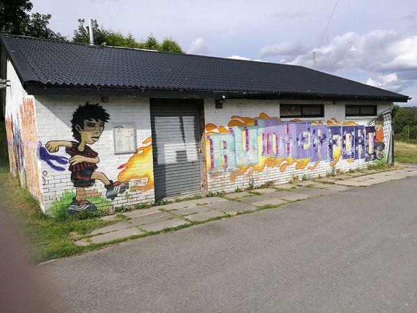 Kick off graffiti