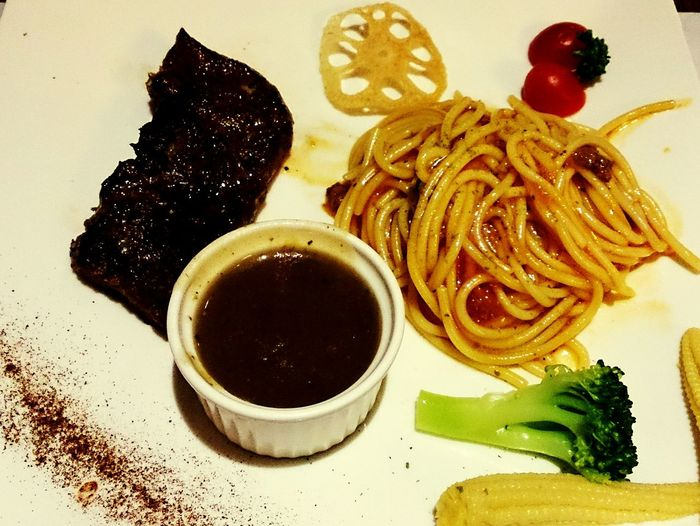 Delicious steak . 墨特尼原塊牛排 Lunch Eating Steak Meat Enjoying Life Taking Photos The Foodie - 2015 EyeEm Awards