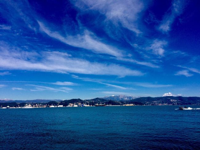 Wow ☀️ Hello World Enjoying Life Beautiful Nature IPhoneography Iphonephotography Sea And Sky Sunny Afternoon Golfo Dei Poeti Italy Home Liguria,Italy Sea My Country In A Photo Sea Life