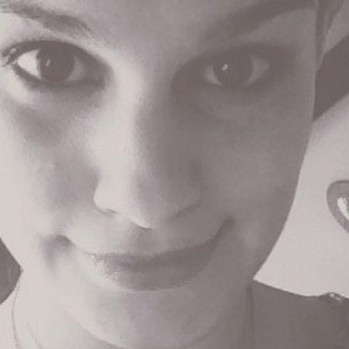 C'toi l'chat. Selfi Girl Black And White Portrait
