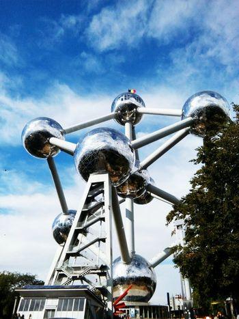 Sky Cloud - Sky Cloud Monument Atomium.Belgique. Atomiumbruxelles Ynk Belgium Brussels EyeEm Famous Place Blue