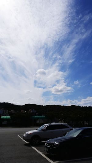 Korea Bluesky & Cloudes 여유로운 아름다운 베라크루즈 현대자동차 벤츠 Auto Racing Racecar Motorsport Car Road Sky Cloud - Sky
