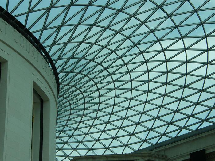 British Museum Glass Roof Triangles London British Museum Roof White Wall Sunshine Windows Interior Architecture Modern Architecture Holiday Destination Blue Sky