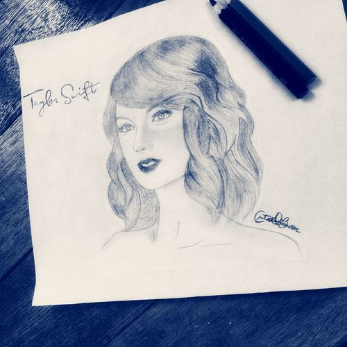 Sister's  Sketch Taylor Swift :))✌️✌️😎✌️✌️