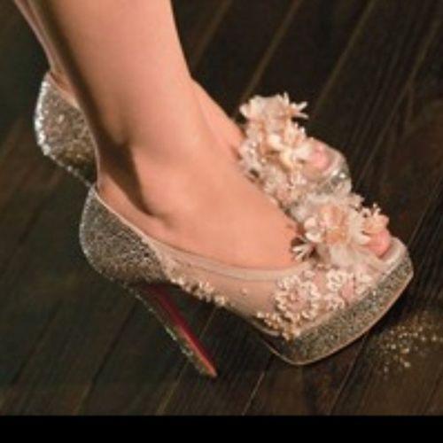Oublie pas ca tlmt beau les soulier de burlesque ;)