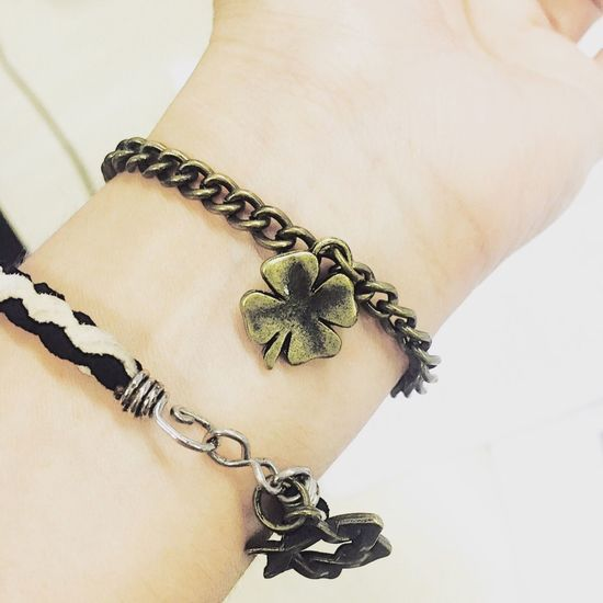 Lucky Charm🍀 Chain Rope Close-up Human Hand Charm Bracelet Luckycharm Clover Lucky