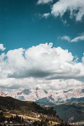 Dolomiten in Südtirol. Beauty In Nature Nature Scenics - Nature Südtirol Dolomites, Italy Italy Naturschutzgebiet Nature_collection Berge Mountain Nature Reserve Naturgewalt Naturerlebnis Naturwunder Wanderlust Wandern Wolken Trentino Alto Adige Panorama Urlaub Nature Photography