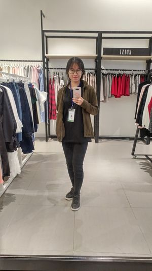 Lạnh tml 😅😅 Store Clothing Store Small Business Fashion Retail  Business Clothes Rack One Person Front View Business Finance And Industry Hanging Boutique So Cool Night 很可爱 Cute Fashion Backgrounds Công Cuộc Kiếm Cơm Lifestyles 好了 Girls Just Wanna Have Fun :)