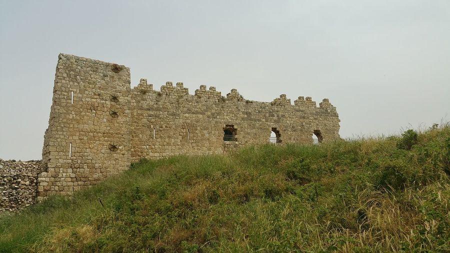 מבצר אתר ארכיאולוגי מבצר אנטיפטרוס Togetherness Sky