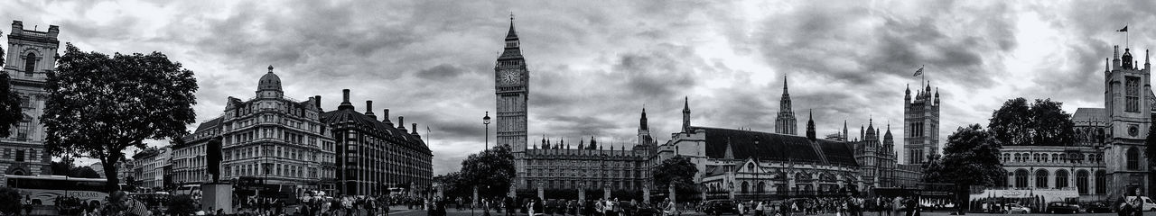 Architecture Blackandwhite City Life Big Ben London Black & White Westminster United Kingdom Panoramic England🇬🇧 Travel Destinations Touristic Destination EyeEm LOST IN London Building Exterior Built Structure Large Group Of People Sky Cloud - Sky Travel Day Real People Tourism Outdoors City Place Of Worship Skyscraper People