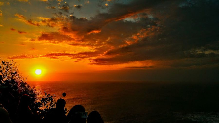 Sunset over the Uluwatu Temples! Catching A Show Relaxing Enjoying Life Hello World Great Performance Last Showing Quality Time Waves And Rocks Sunset Sunset #sun #clouds #skylovers #sky #nature #beautifulinnature #naturalbeauty #photography #landscape