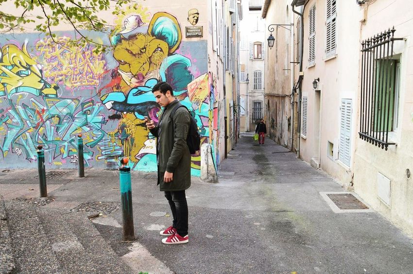 Snap a Stranger Casual Clothing Full Length Day Lifestyles Men Man Model Igers Iger Igersfrance City Graffiti Street Art Old Town Marseille France Europe People Bag Jacket Tumblrboy Tumblr Retro Colorful My Year My View