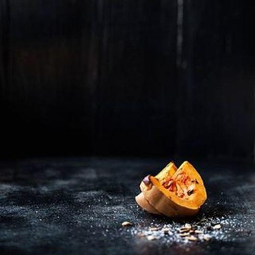 lonely squash 😃 ButternutSquash Winter Fall Darkfood Vegetablegarden Vegetarian VEGANLIFE Vegan Foodstyling Foodphotography Foodstagram Foodshare