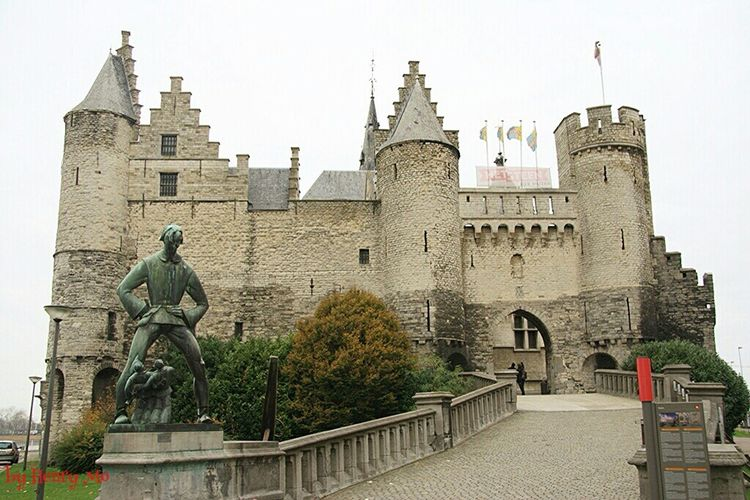 castle Steen in Antwerpen Antwerpen Castle View  Weekend Architectureporn