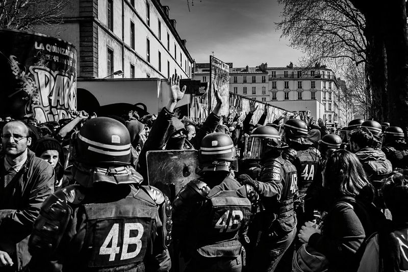 Part 1. A group of protesters, pushed back against a wall by the riot police, raised their hands to prove their innocence. Wait for part 2 to find out what happened after this. Streetphotography Blackandwhite Sony A7RII Black & White EyeEm Masterclass Black And White Photography Showcase April EyeEm Gallery This Week On Eyeem Paris France Black And White Street Photography Protest Streetphoto_bw Demonstration Riot Manif9avril Reportagephotography Reportagespotlight Loitravail The Photojournalist - 2016 EyeEm Awards
