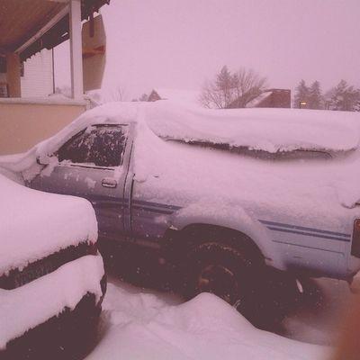 Lastwinter Justfeltlikepostingoninstagram Gladitsthefirstdayofsummer Byui Rexburg hashtagtomany aintnobodygottimeforthat snow