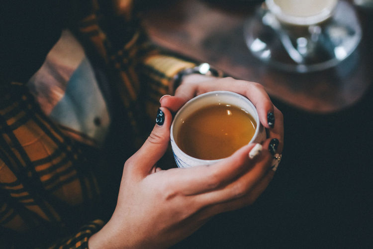 Hot tea holding with two hand in coffee shop Drink Food And Drink Refreshment Holding Cup Mug Human Hand Hand Tea Lifestyles Hot Drink Freshness Coffee Tea - Hot Drink Tea Cup Drinking Finger Hot Tea Beverage Breakfast Cafe Chill Cough Healthy Lifestyle Warm