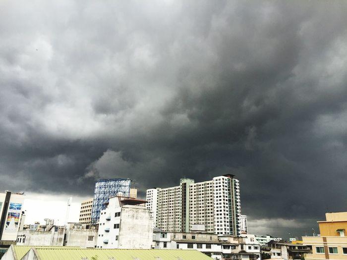 Sky Dark Cloud Cityscape Balcony ☁️🌑🏢