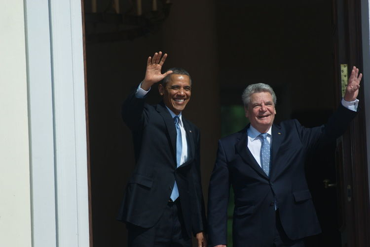 Bellevue,Gauck, Berlin Germany Ehrengarde, Obama, Sate Visit, USA, Politics, Red Carpet, Person Presidantioal Limusine Schloss Bellevue, Politics, Usa President