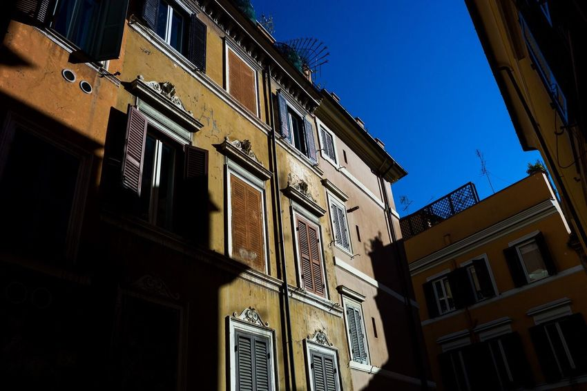 Rome Italy Roma Italia LeicaM9 Explore Light And Shadow Travel Travel Photography Vacation Architecture Building Exterior Sky Low Angle View The City Light City