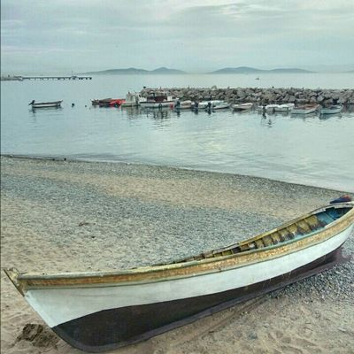 Caddebostan Bostanci Sahil Tekne Kayik Boat Istanbulcity Istanbul Turkey Marmara
