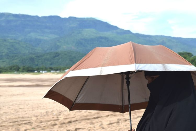 International Women's Day 2019 Summer Beach Protection Sand Sky Beach Umbrella Umbrella Sunshade Shelter