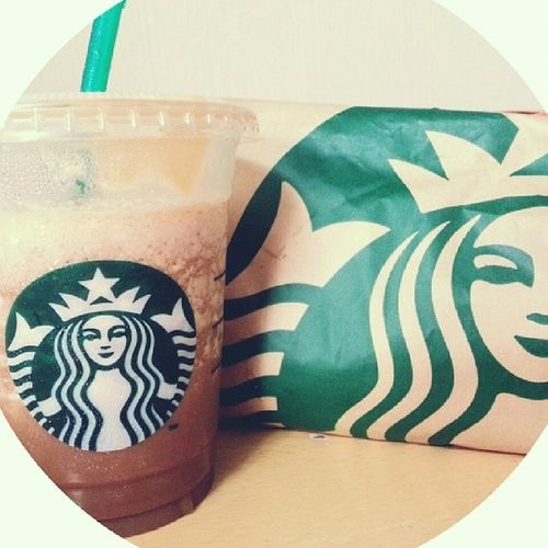 Lunch! Starbucks Wrap Saltedcaramelmocha Thanks @rqueues for the drink!