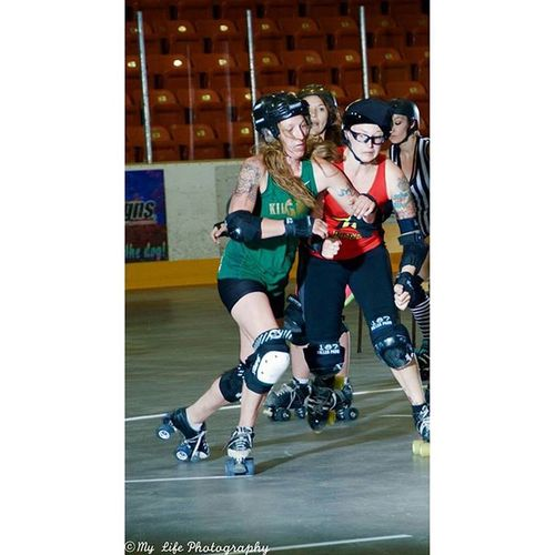 West Kootenay Roller Derby RTRG (Red/Black: Trail, BC) vs. KILLJOYS (Green: Nelson, BC) Westkootenays Westkootenayrollerderby NelsonKilljoys Rtrg rollerderby derby natgeovisual OurPlanetDaily action womenssports womensrollerderby green red skates rollerskates fullcontact action photography sports Castelgar damcityrollers spokane lilaccity intense highenergy expressive 9vaga_colorred9 rollergirl mlpbycaley
