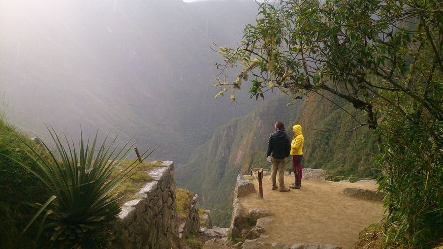 Real People Walking Nature Leisure Activity Beauty In Nature Scenics - Nature Day Fog Land Outdoors Machupichuview