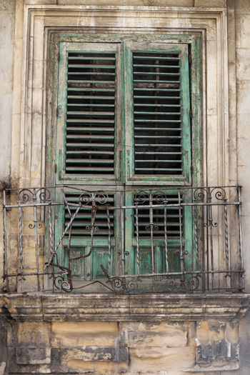 Architecture Closed Damaged Door Exterior Façade Green House Italien Italy Old Sicilia Sicily Sizilien Weathered Window
