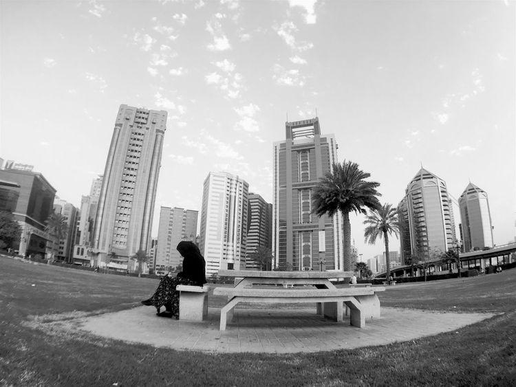 City Sky Sitting Lifestyles Walking Mydubai Sharjah Uae Sharjah Girl Park Aukey 3 In 1 Lens Aukeyfisheye