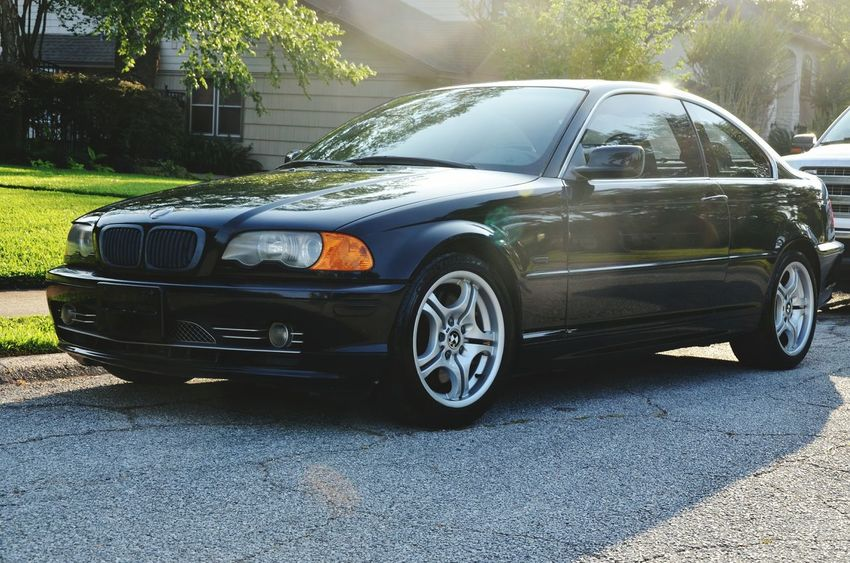 BMW 330ci with the M-Tech package. I love her Car No People Bmw BMW E46 BMW M3 BMW Motorrad Bmwmotorsport Happiness Summer Fun Summer Fun Cars
