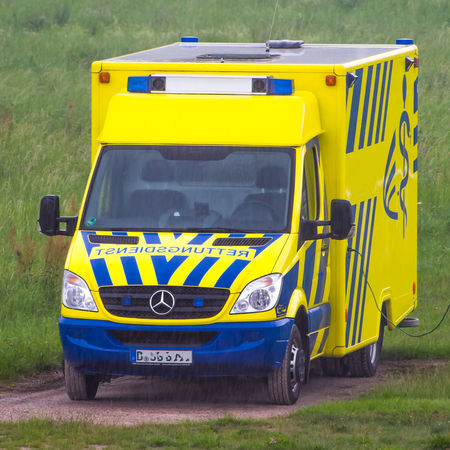 Field Ambulance Ambulance Car Ambulance Service Blue Blue Light Day Field Go-west-photography.com Grass Land Vehicle No People Outdoors Parking Rescue Stationary Transportation Yellow