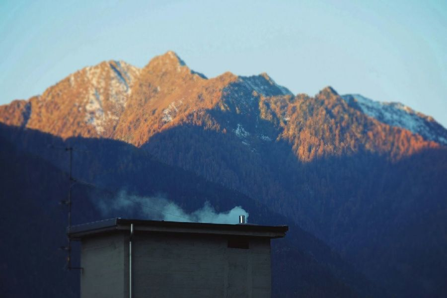 First photos with my new Fuji X-A2! Firstday Morning Light Mountains My Town Chimney Valtellina Fujifilm Fujifilm X-a2 Fujicolor Autumn
