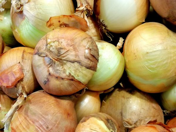 Onions Vegetables Vegetables & Fruits Market Stall Fresh Vegetables Onions Bulbs Backgrounds Full Frame Close-up Food And Drink Stall Market Stall Farmer Market Retail Display Street Market