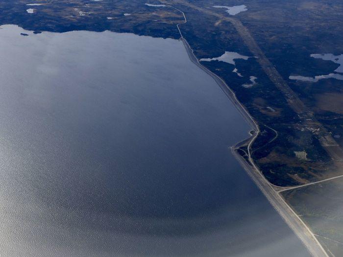 Flying High Le réservoir de LG2. Barrage hydroélectrique.