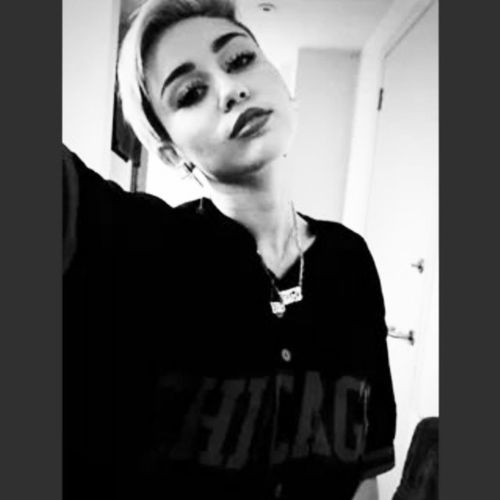 She's so BEAUTIFUL. Milena Miley Pretty Sweet Serious SHEISNOTNORMAL Sheiscrazy ILOVEHERSTYLE ITSVERYBEAUTIFUL Strong Instacrazy Instaserious Instaidol