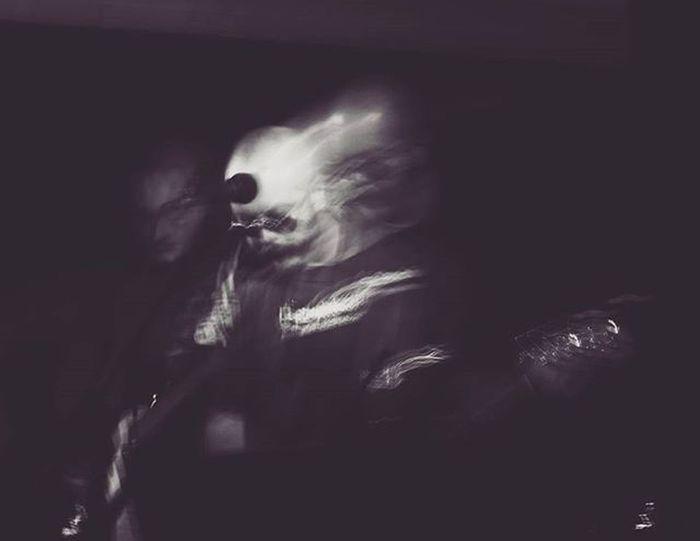○•°Ai musicisti spende l'anima °•○ ~ Shining soul ~ Music Musician Bw Bw_lover Singer  Soul Light Rock Metal Band Musicband Musica Blackandwhite Blackandwhitephotography Black White Concerto Concert Saturdaynight Soymix