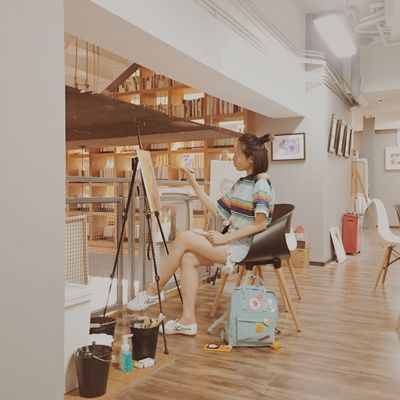 Sitting Indoors  Casual Clothing Real People Beautiful Woman Iphonephotography 一毛 VSCO