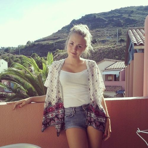 Feeling good and free .. don't wanna come back to reality🌴 Sunnyday Cervera Summer2014
