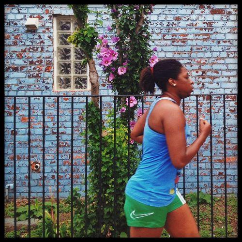 Nike, Just Do It Jogging Streetphotography Flowers,Plants & Garden