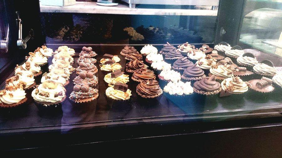 Yum Tasty Cupcakes Dessert Yummy♡ Eyeem Dessert Eyeem Tasty Food Sweet Sweets Treats Cupcake Colors Cupcakelovers Dessert Porn Dessert Photography Eyeem Sweets Cupcakes Loco Visual Feast