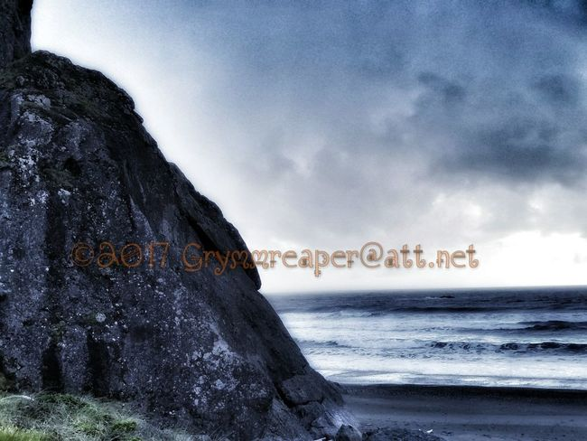 Sea Sky Beach Nature Water No People Outdoors Blue Scenics Horizon Over Water Day Beauty In Nature Grymmreaper