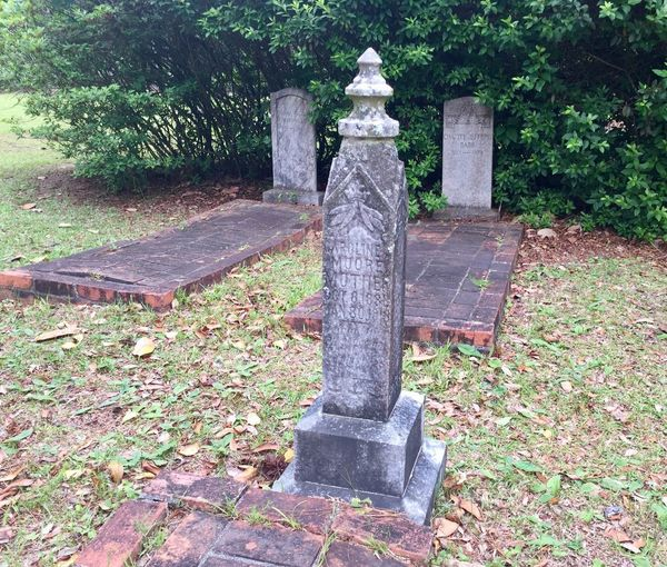 Historic grave site tombstones Montrose Cemetery Alabama Day Tree No People Outdoors Leaf Nature Grass Cemetery Graveyard Dead Death Tombstones Headstone