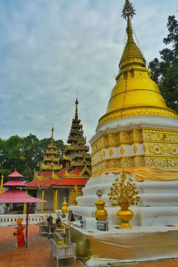Statue of pagoda