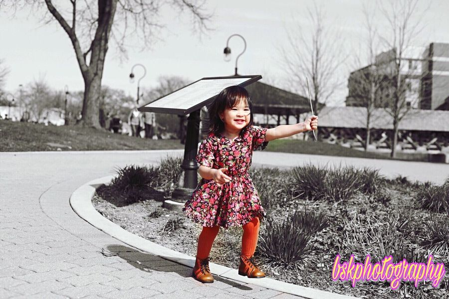 Freedom and happiness! Child Children Only Girls Childhood Outdoors Fun Happiness Leisure Activity Playing Cheerful Day Vintage Photography Canon Close-up Canonphotography Toddlergram Cute Innocence Amateurphotographer  Blackandwhite Igers