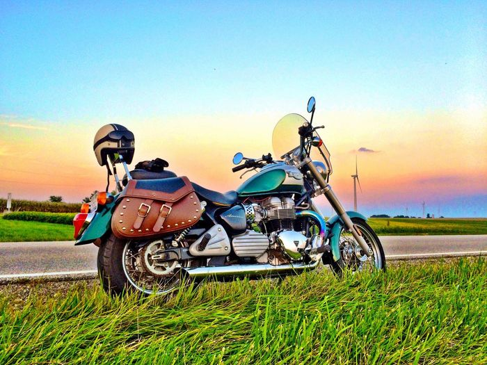 Transportation Motorcycle Grass Sunset Triumph Bonneville Bonneville America Illinois Evening Evening Sky Classic